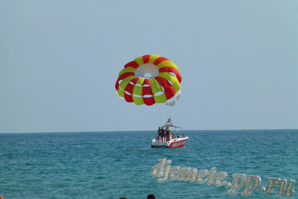 Пляж Джемете аттракцион парашют